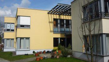 Das Bild zeigt eine Außenaufnahme des Gebäudes an der Pferdebachstraße.