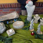 Das Bild zeigt Arbeiten aus Stein.